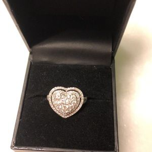 1carat diamond heart ring. Worn only once.